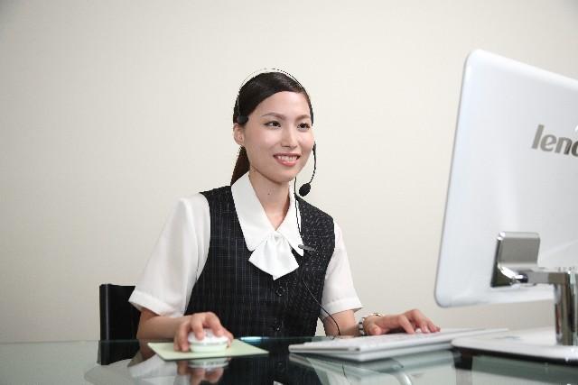 電話を取り次ぐ際は、限られた時間で用件を聞き取り、正確に担当者へ取り次ぐことが大切